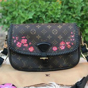 ✅LOUIS VUITTON SOLOGNE Crossbody Shoulder Bag